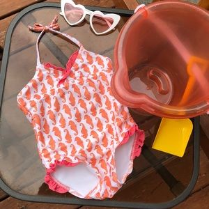 ⛱⛱Old Navy bathing suit ⛱⛱